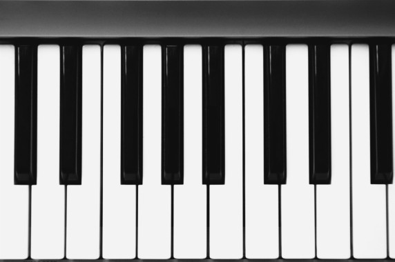 Photo Wallpaper Macro Pen Piano Keys Piano 1332x850 Download Hd Wallpaper Wallpapertip