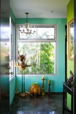Turquoise And Lime Green Walls For A Whimsy Entryway Ingresso Casa Verde Acqua 540x810 Download Hd Wallpaper Wallpapertip