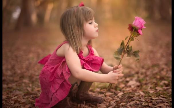 Beautiful Baby Girl Hd Wallpaper Cute Baby Girl Hd 2880x1800 Download Hd Wallpaper Wallpapertip