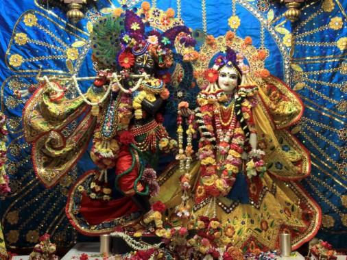 8 85921 radha krishna wallpaper iskcon