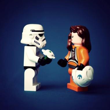 Cute Stormtrooper Lego Wallpaper Cute Lego Star Wars 1600x1600 Download Hd Wallpaper Wallpapertip