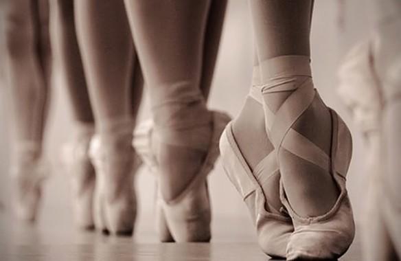 Pointe Shoes Wallpaper Pointe Ballet Dancer 1424x944 Download Hd Wallpaper Wallpapertip